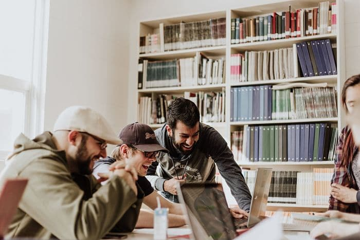 Soluciones digitales de aprendizaje para fidelizar a los empleados